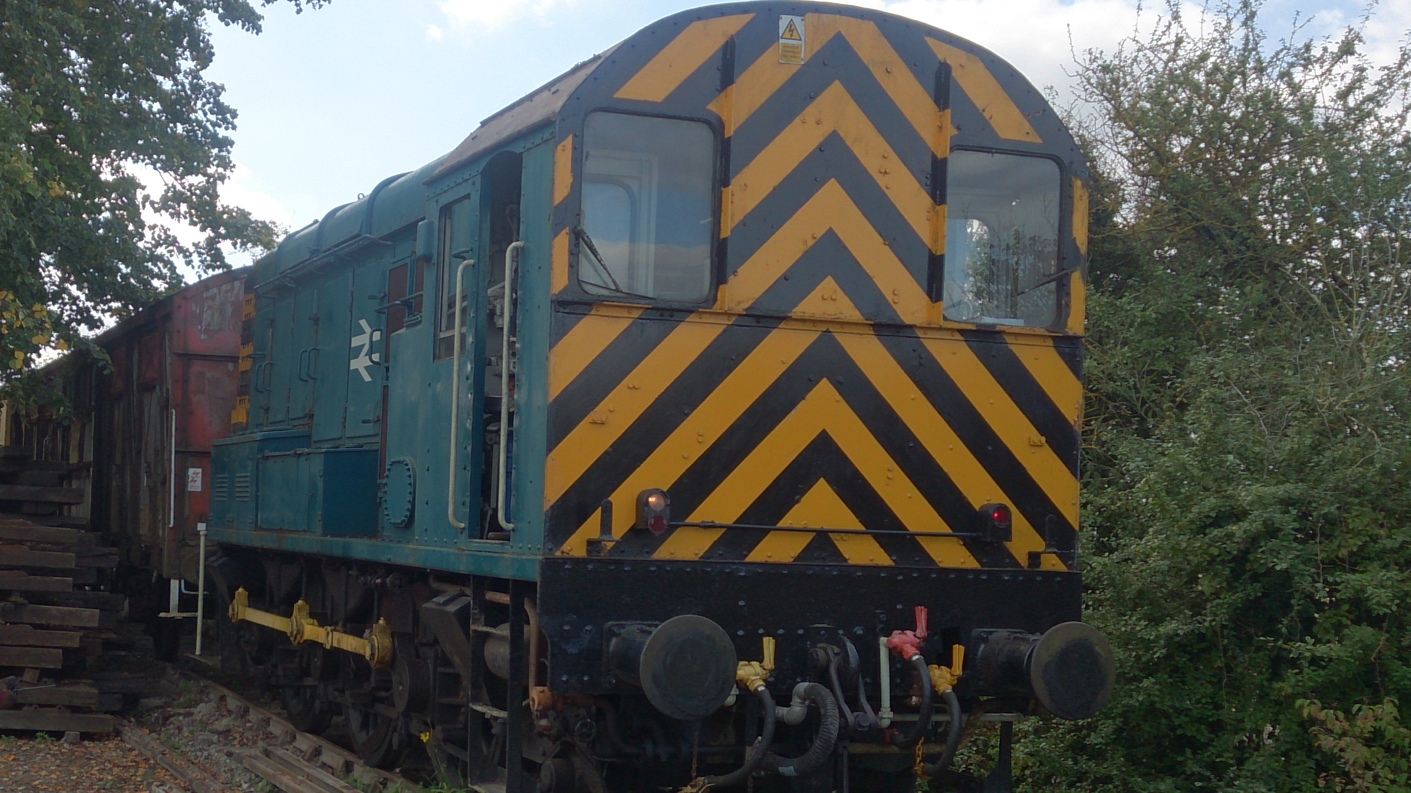 08825 Shunter at Chinnor